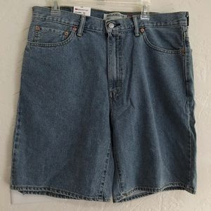 Levi's - Medium Wash Shorts